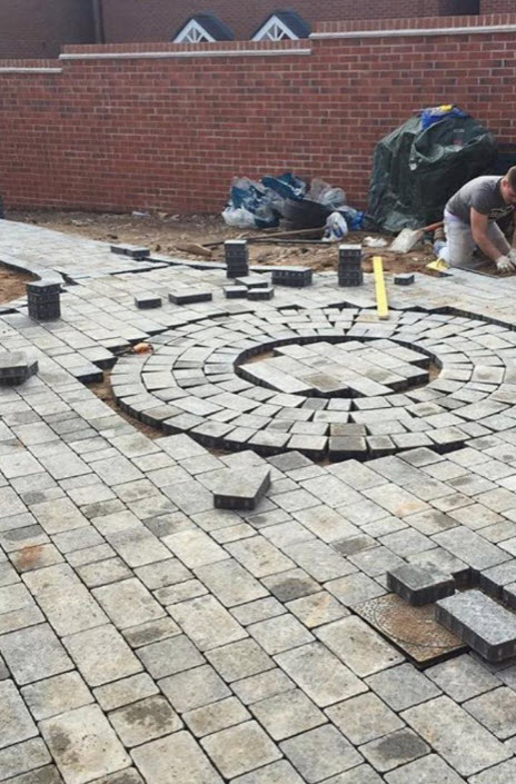 Block paving a back garden in Redditch Worcestershire
