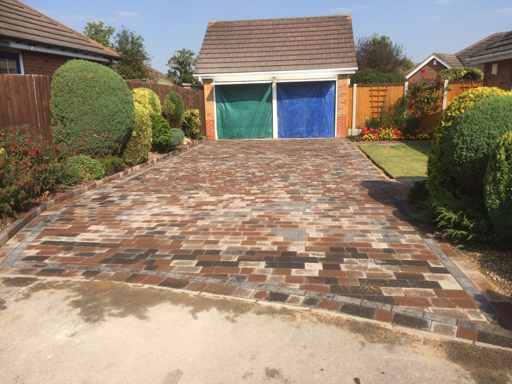 Great looking new block paving driveway by Paving Redditch Worcestershire