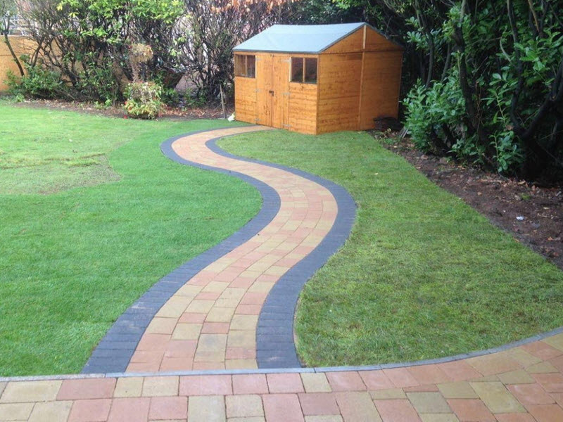 patio and garden path in Redditch Worcestershire uk